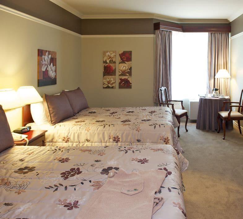 chambre champ tre auberge de la montagne coup e. Black Bedroom Furniture Sets. Home Design Ideas